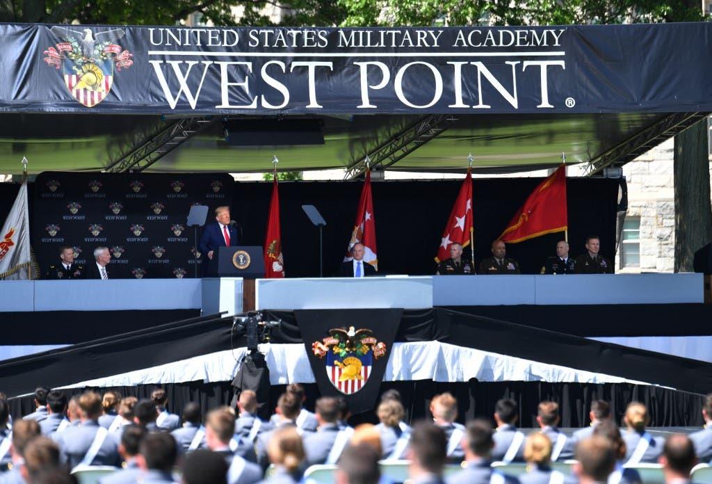 ترمب خلال كلمته في حفل تخرج كلية ويست بوينت العسكرية