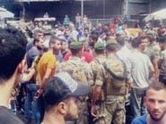 قطع طريق وحجارة..لبنانيون يمنعون شاحنات سورية من العبور