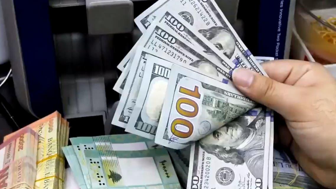 حزب الله يفتعل أزمة دولار ليجبر الحكومة على ضخ الدولارات بالسوق