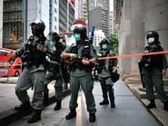 """توبيخ شرطي في هونغ كونغ يهتف """"لا أستطيع التنفس"""""""