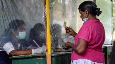 """صور.. محاكاة للانتخابات بسريلانكا لاختبار """"تدابير كورونا"""""""