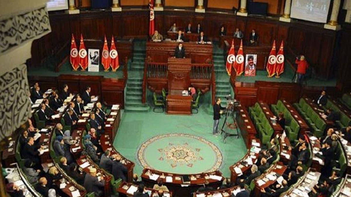 تونس.. القضاء يلاحق برلمانيين حلفاء للنهضة بتهم فساد