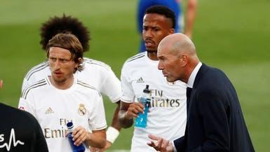 """زيدان """"يوبخ"""" لاعبي ريال مدريد بعد الفوز على إيبار"""