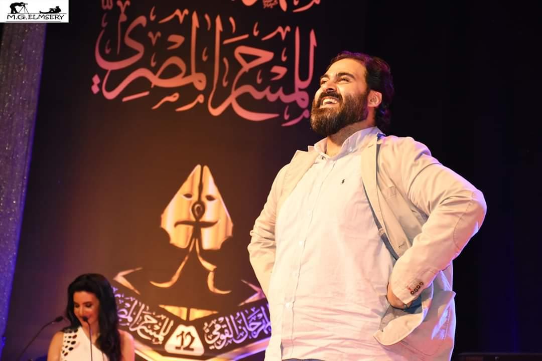 الفنان أحمد الرافعي على المسرح