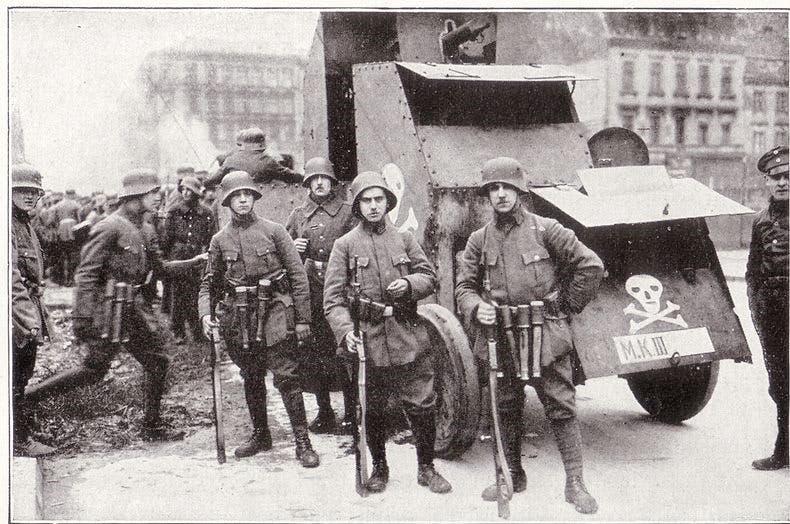 صورة لعدد من جنود الفرايكوربس ببرلين عام 1919