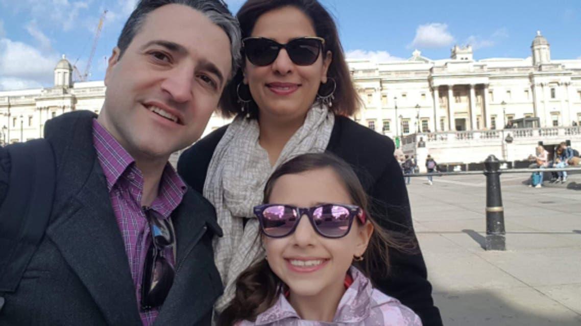 حامد اسماعيليون وزوجته وابنتهما