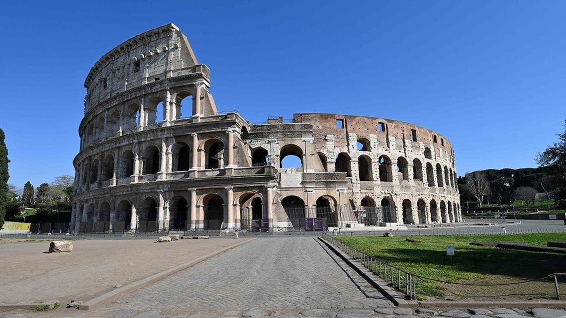 إيطاليا تفتح الأبواب على مصراعيها للسائحين مع انحسار كورونا