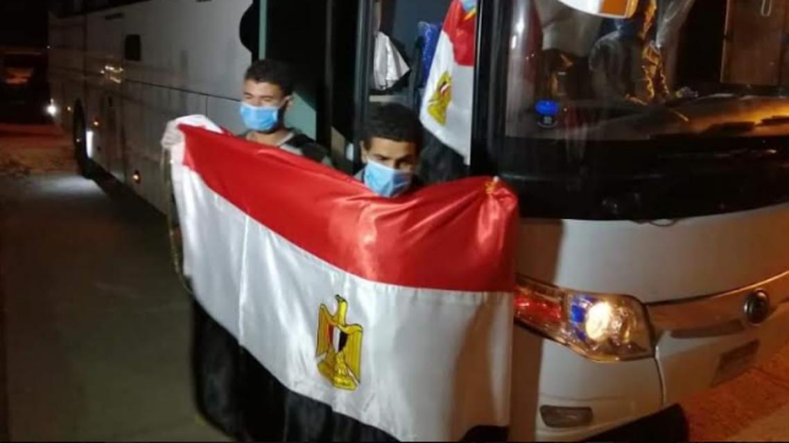 من عودة العمال المصريين