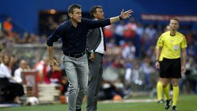 إصابة مساعد مدرب برشلونة السابق بمرض نادر