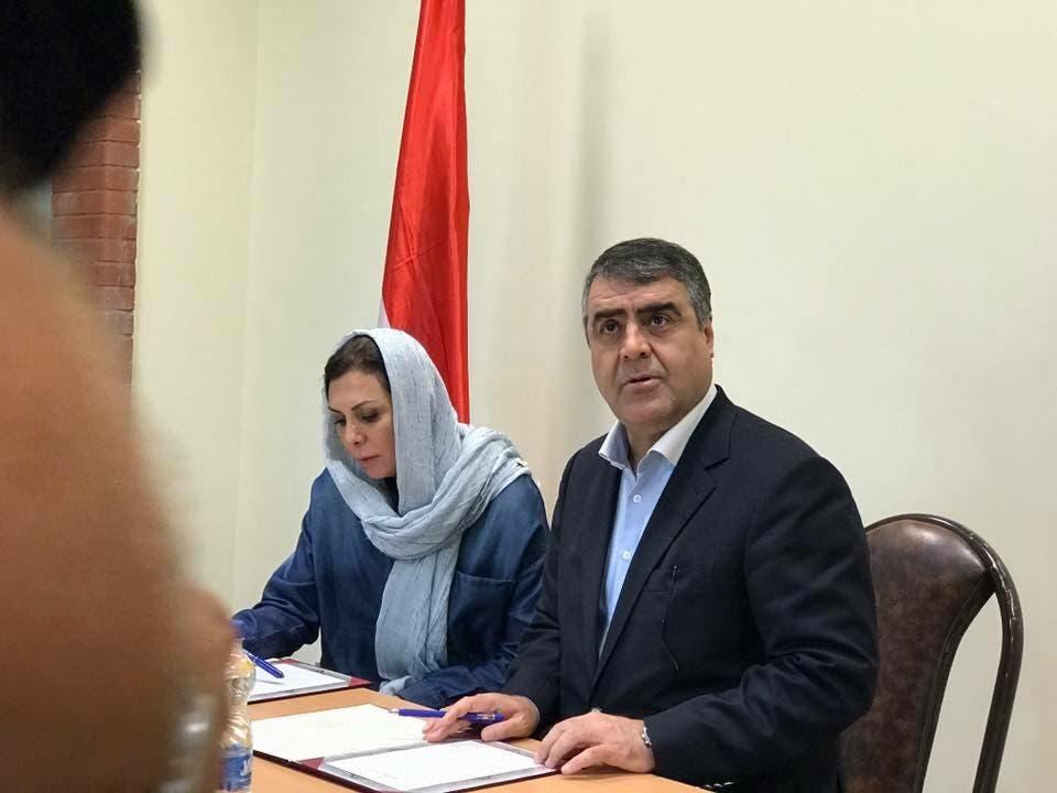 ممثل الجانب الإيراني مع منال جدعان الأسد