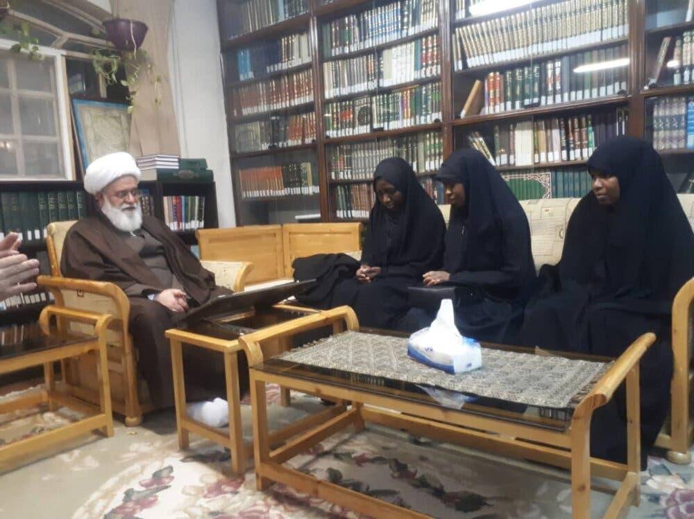 لقاء بنات زكزاكي برشاد رئيس الحوزات الدينية في طهران