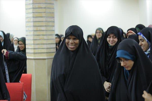 زكية زكزاكي تشارك في إحدى الفعاليات في طهران