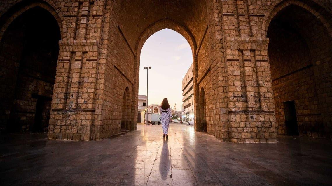 A tourist walks through the city of Jeddah, Saudi Arabia. (Saudi Ministry of Tourism)