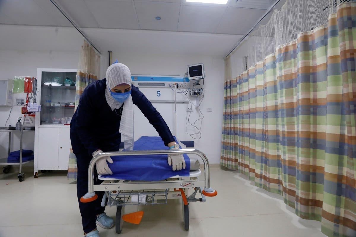 من مستشفى عين شمس حيث يعالج مصابو كورونا