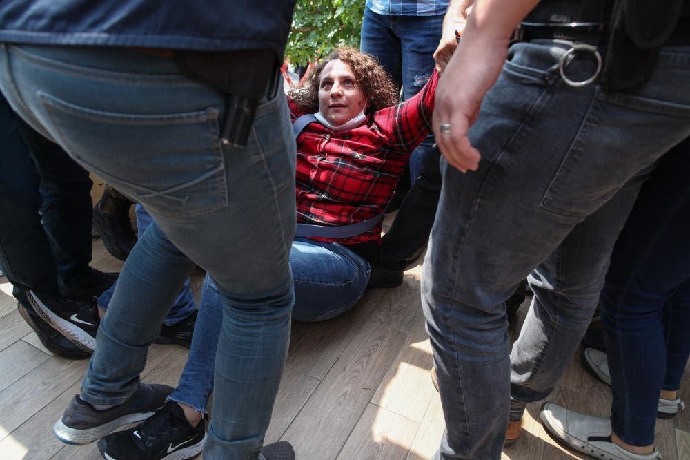 """الشرطة التركية تهاجم محتجين يطالبون بالديمقراطية """"أرشيفية"""""""
