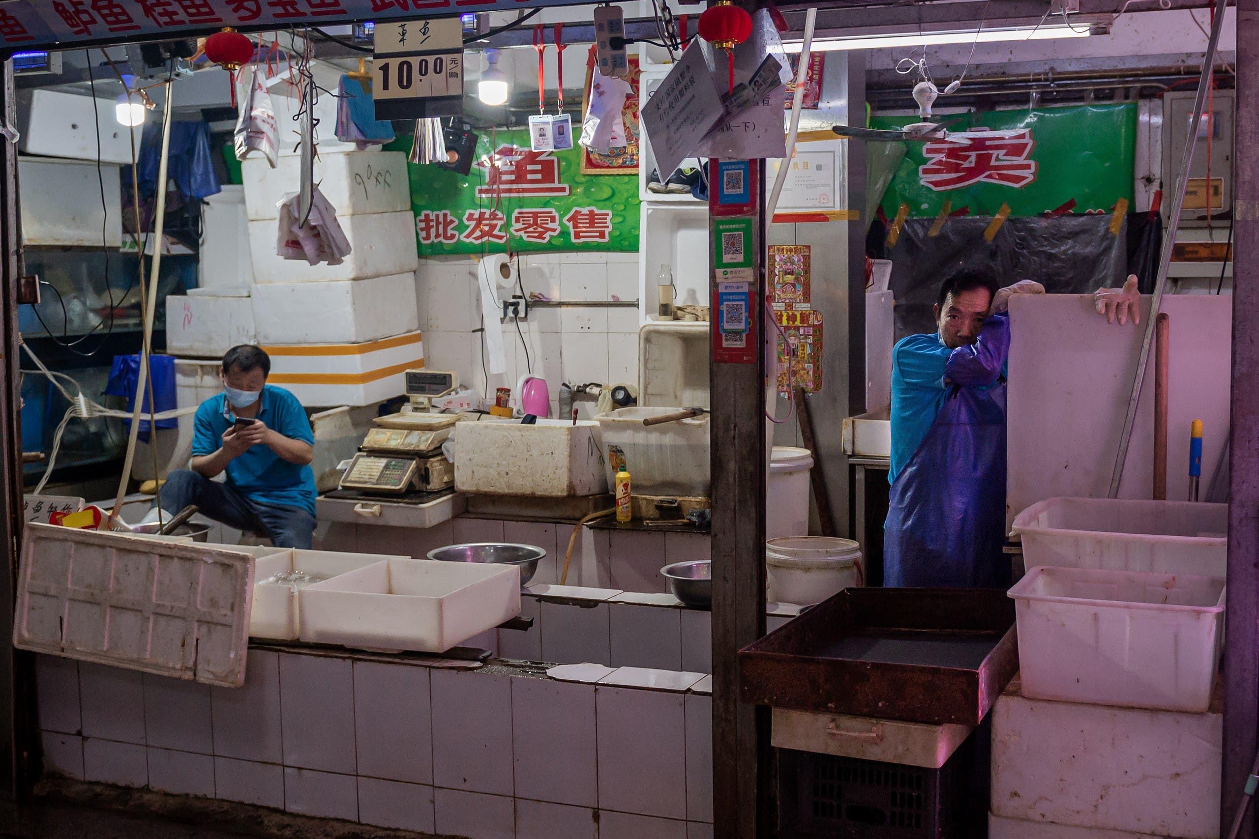 من سوق لبيع المأكولات البحرية واللحوم في بكين (أرشيفية- فرانس برس)