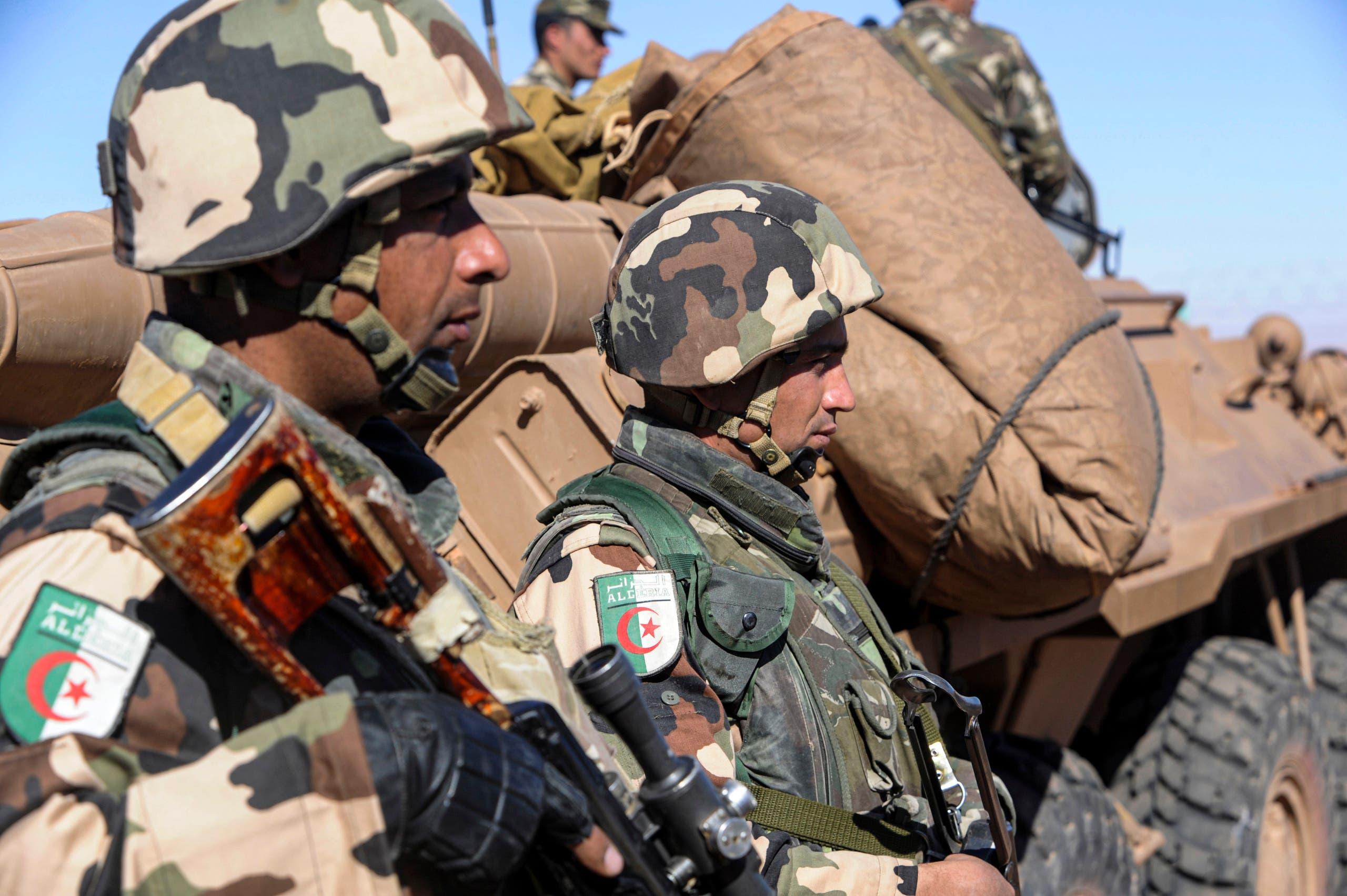 عناصر من الجيش الجزائري (أرشيفية- فرانس برس)