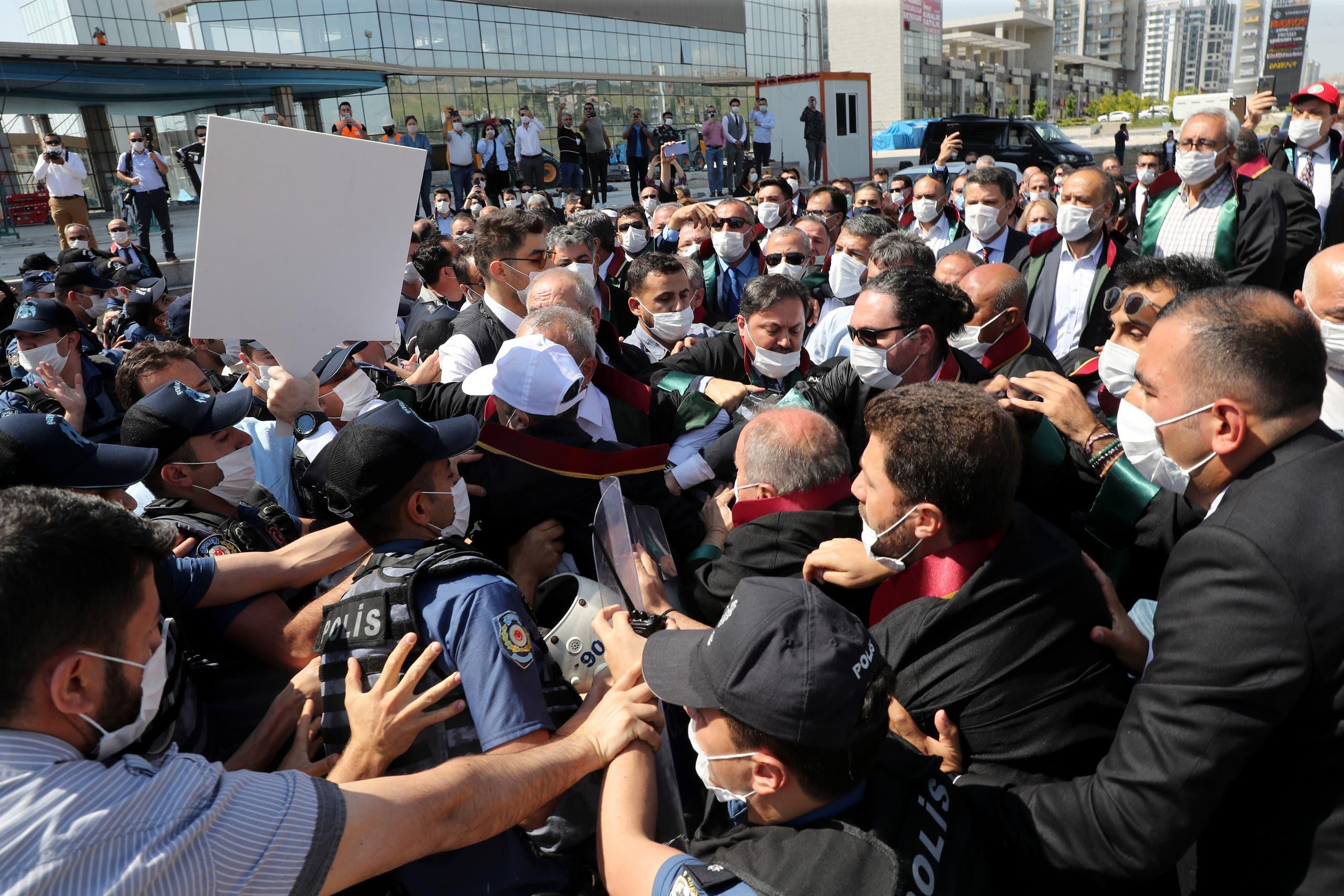 من اعتصام المحامين في اسطنبول (22 حزيران 2020- فرانس برس)