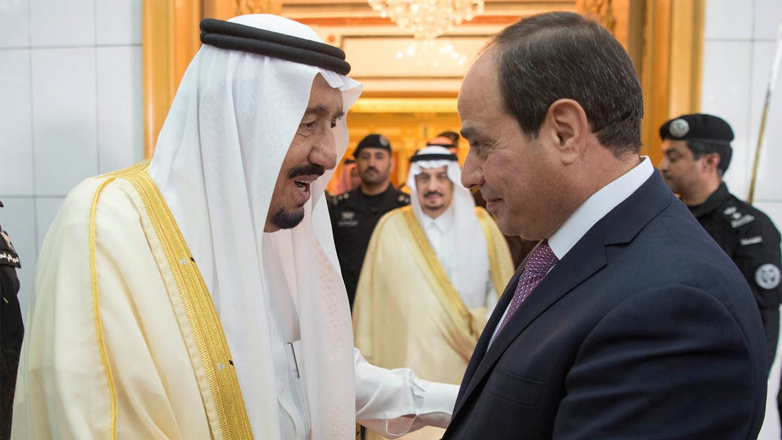 Saudi Arabia's King Salman bin Abdulaziz Al Saud (L) shakes hands with Egypt's President Abdel Fattah al-Sisi in Riyadh, Saudi Arabia April 23, 2017. (File photo: Reuters)