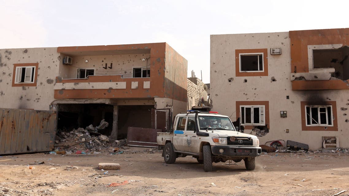 A vehicle from the Libyan forces of the National Accord (GNA) Sirte's patrols Al-Giza Al-Bahriya district on December 20, 2016 after they drove the Islamic State (IS) group out of its Libyan stronghold earlier this month.