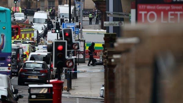 """شاهد لهفة زملاء """"شرطي بطل"""" تصدى لحادث طعن في اسكتلندا"""