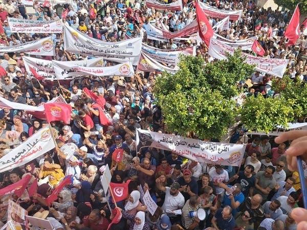 تونس.. اتحاد الشغل يهدد بتظاهرات أمام البرلمان