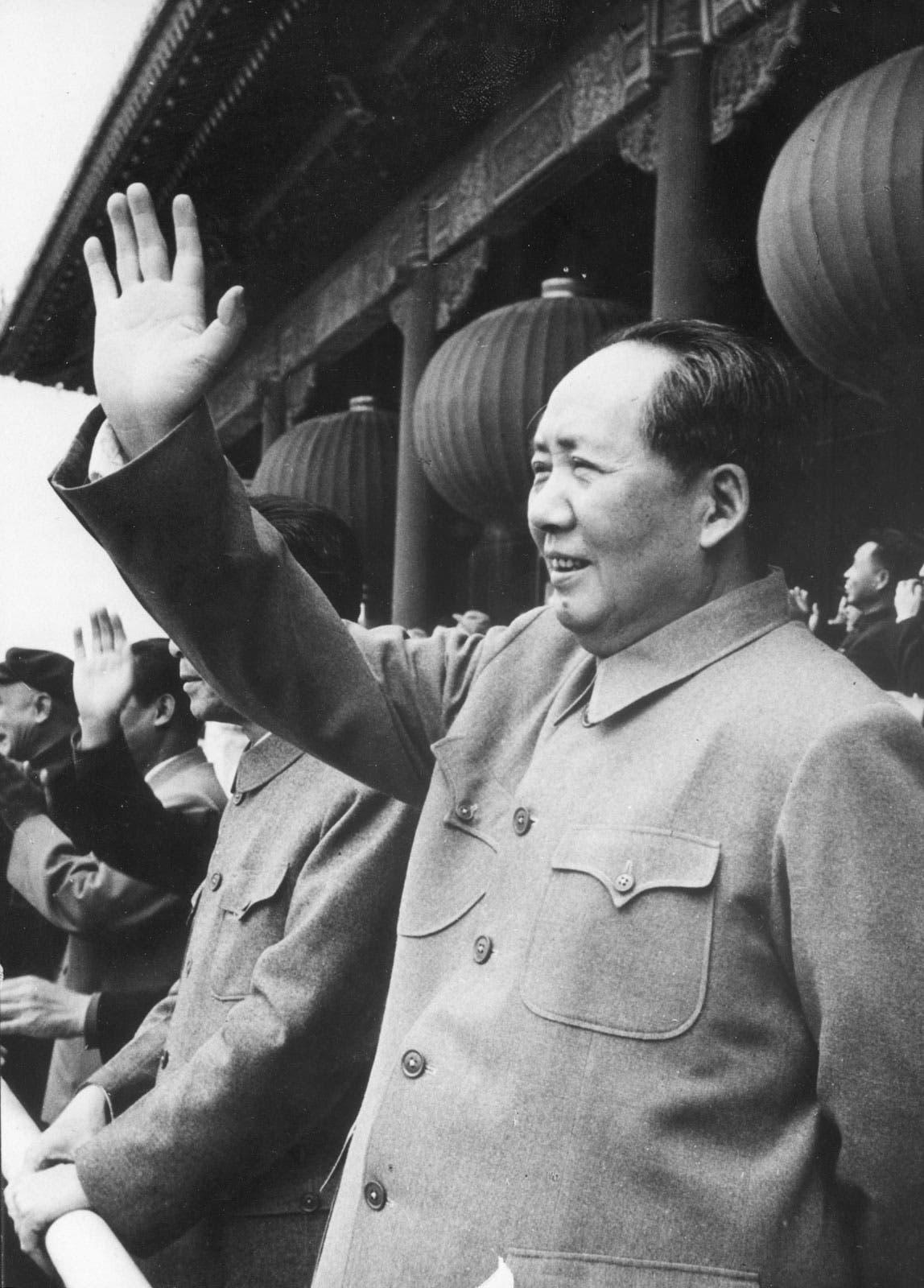 صورة دعائية للزعيم الصيني ماو تسي تونغ