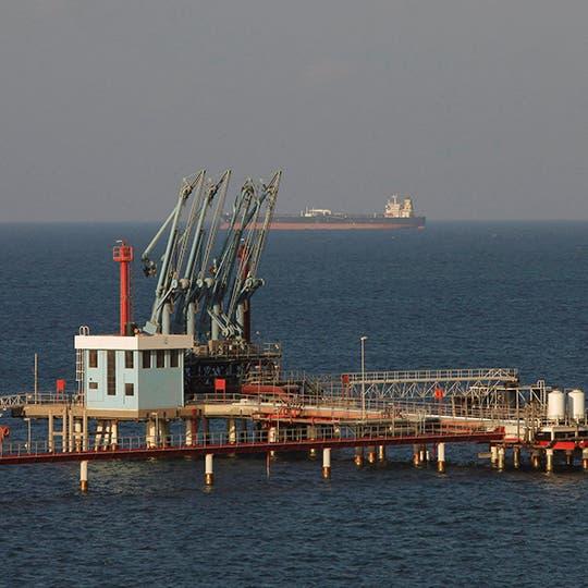 الجيش الليبي يعلن إعادة فتح موانئ وحقول النفط