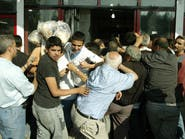 لبنان بمفترق خطير بسبب الدولار والخبز.. بلد الأرز يتألم