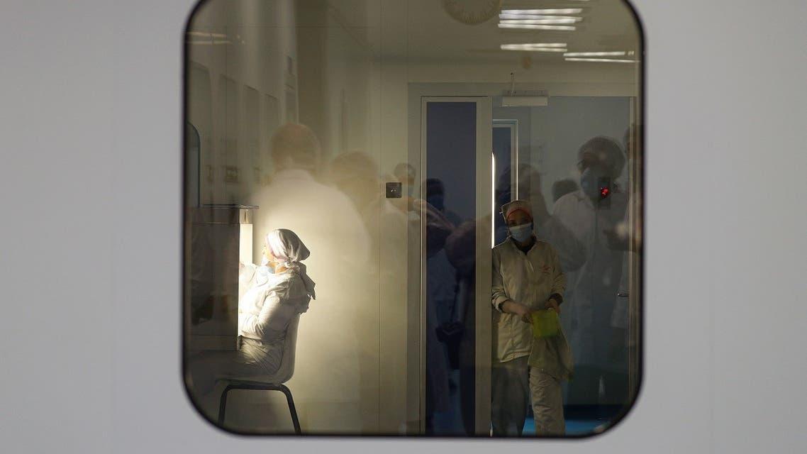 Lab technicians work on investigational coronavirus disease (COVID-19) treatment drug Remdesivir at Eva Pharma Facility in Cairo, Egypt June 25, 2020. REUTERS/