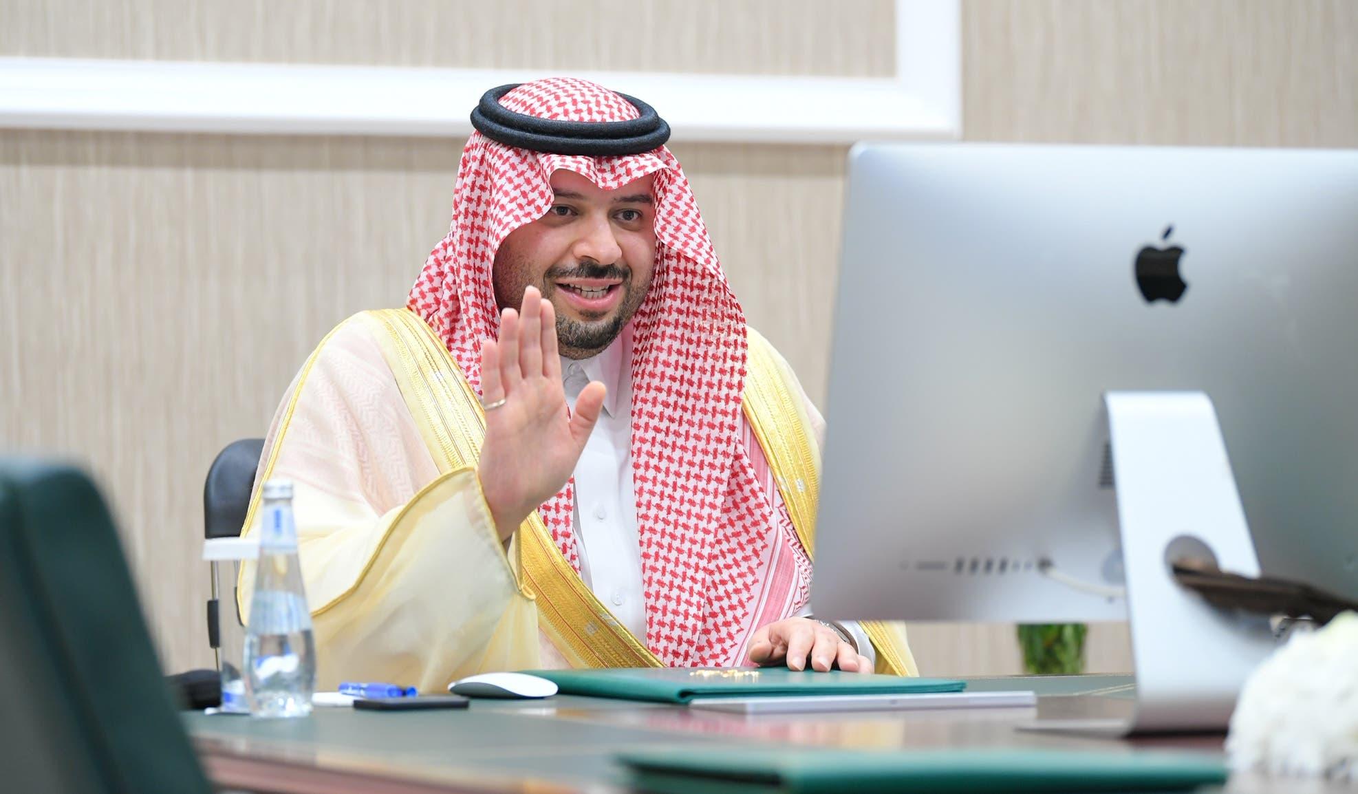 أمير منطقة الحدود الشمالية الأمير فيصل بن خالد بن سلطان اطمأن على صحتها