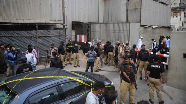 رئيس وزراء باكستان يتهم الهند بالهجوم على بورصة كراتشي