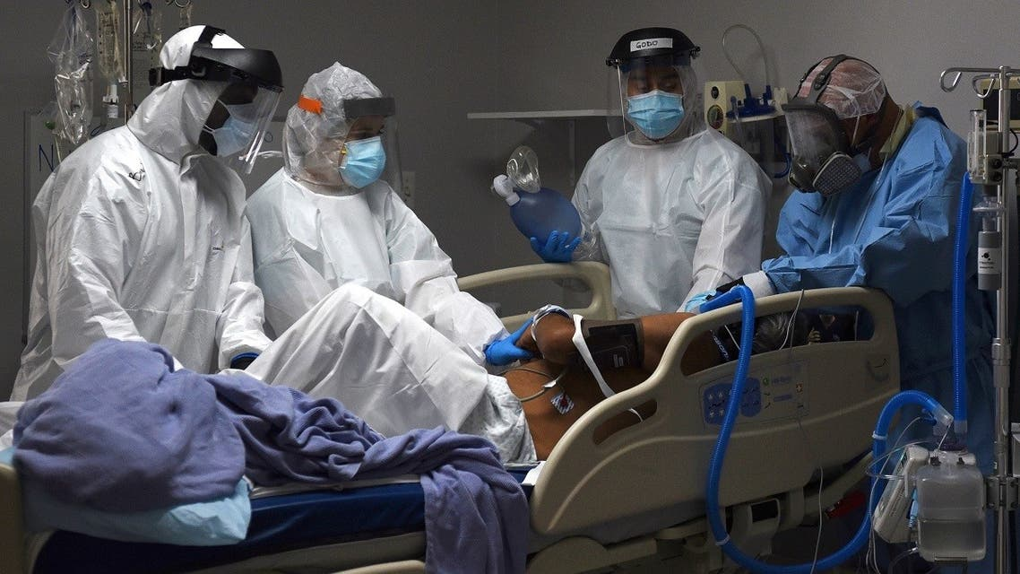 Medical workers prepare to intubate a coronavirus patient at the United Memorial Medical Center's COVID-19 intensive care unit in Houston, Texas, US, June 29, 2020. (Reuters)