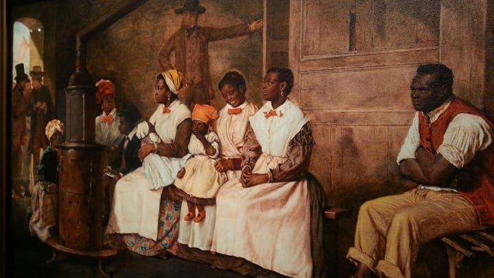 لوحة تجسد أحد أسواق العبيد بأميركا قديما