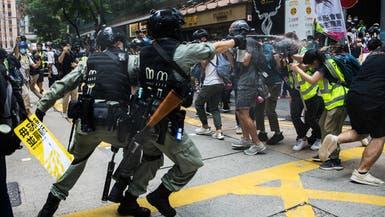 الصين تدشن قانون هونغ كونغ.. أول اعتقال لحامل علم