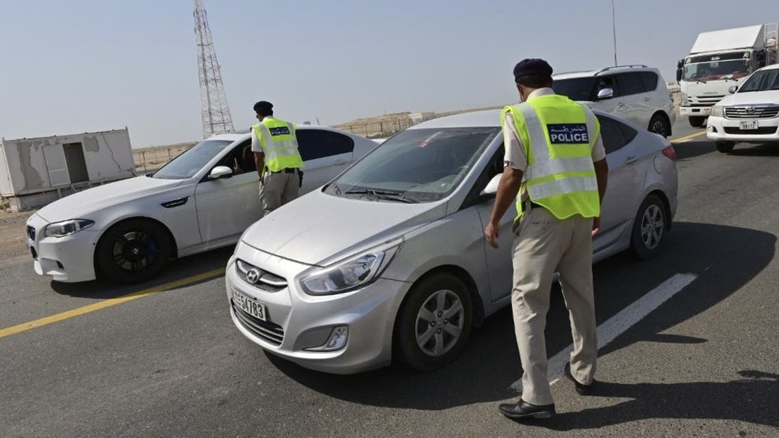 Emirati security forces man a checkpoint at the entrance of Abu Dhabi, on June 2, 2020, after authorities cordoned off the emirate to rein in the coronavirus. (AFP)