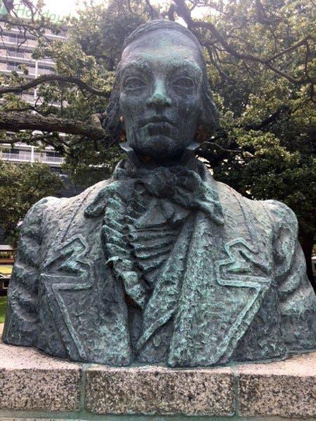 صورة تمثال نصفي لجون ماكدونوغ