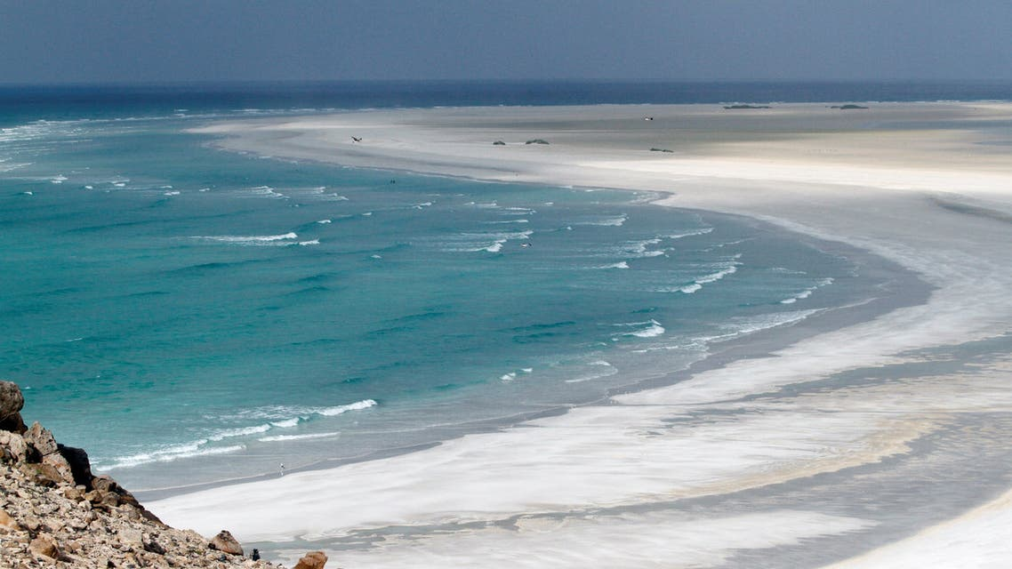 FILE PHOTO: The approach to Ditwa lagoon and beach is pictured near the port of Qalensiya, the second biggest town on Yemen's Socotra island, November 21, 2013. REUTERS/Mohamed al-Sayaghi/File Photo