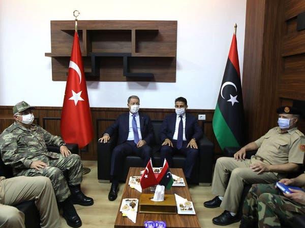 تركيا توقع اتفاقية عسكرية مع الوفاق.. والجيش الليبي يتوعد