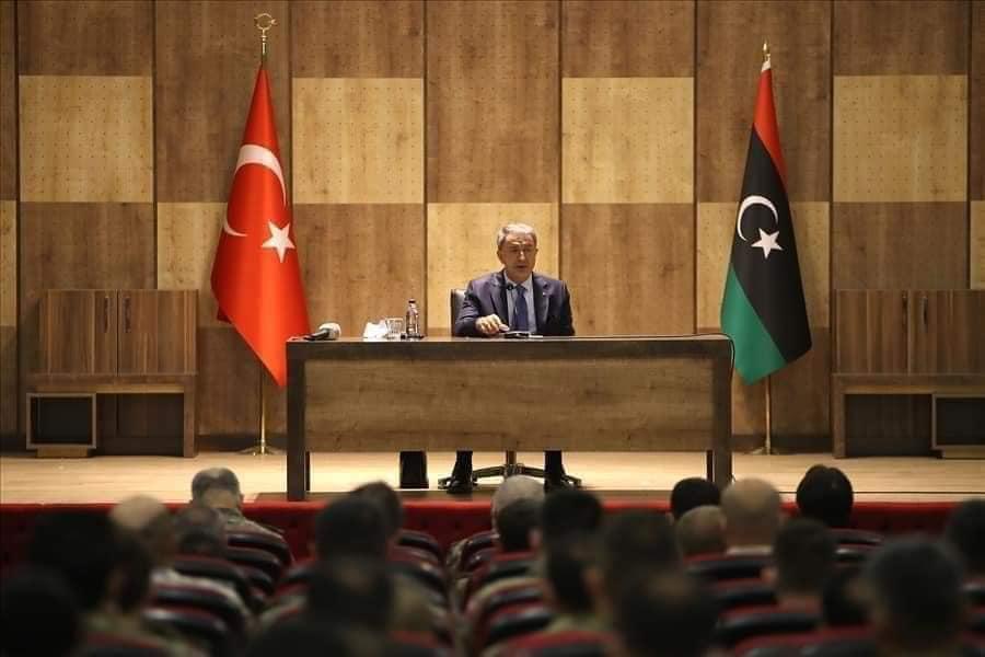 وزير دفاع تركيا في ليبيا