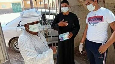 مصر.. مسلمون يعقمون كنيسة وأقباط يتبرعون أمام مسجد