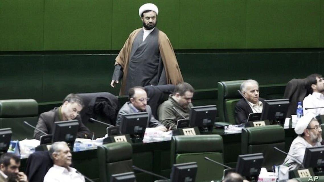 طعنه «غیر انقلابی» عصر ایران به «مجلس انقلابی» ایران