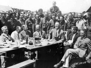 """بطريقة """"صديقة للبيئة"""".. أنقذ روزفلت ملايين الشباب من البطالة"""