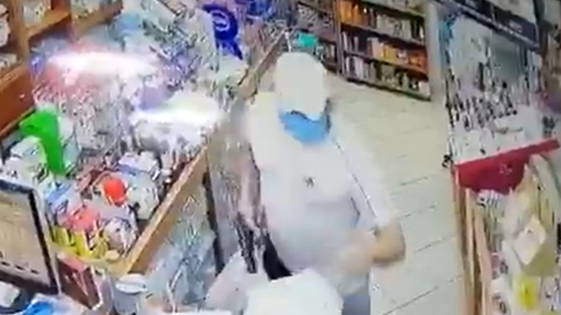 A man in Lebanon robs a store for diapers amid worsening economic conditions. (Screengrab: Twitter)