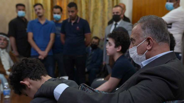 شاهد الكاظمي لابن الهاشمي: لا تبكِ أنت بطل كأبيك