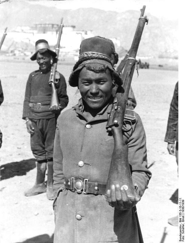جندي من التبت عام 1938