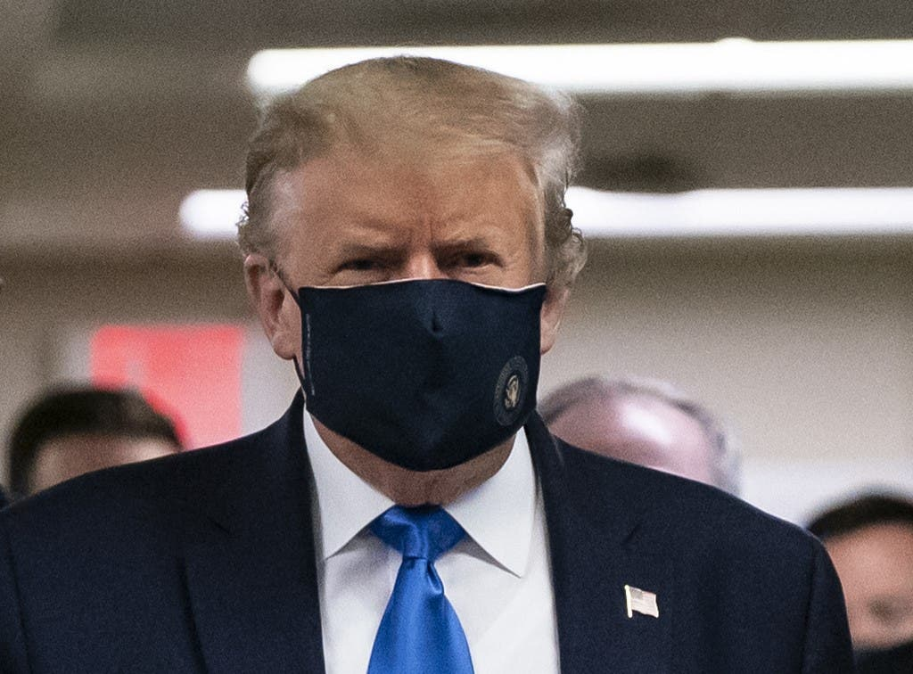 US President Donald Trump wears a mask as he visits Walter Reed National Military Medical Center in Bethesda, Maryland' on July 11, 2020. (AFP)
