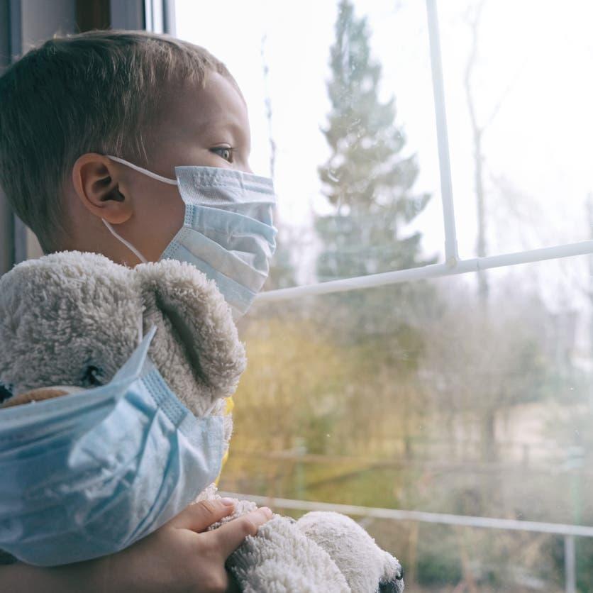 كيف تحمي طفلك من كورونا وأمراض الشتاء؟ روشتة من العربية.نت..