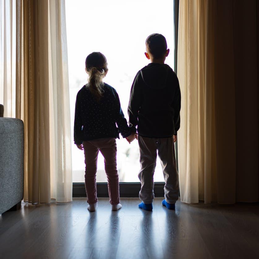 قلق وخوف ورهبة.. كيف أثّر العزل المنزلي على أطفالنا؟