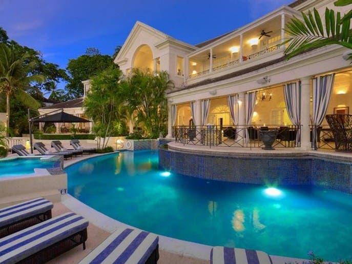 بالصور.. قصر أمير شهير معروض للبيع بـ25 مليون دولار